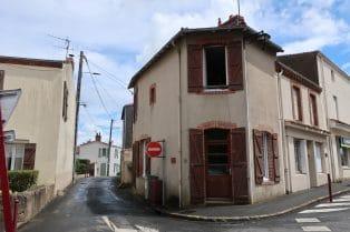 3 pièces 51 m² A VENDRE MAISON PLEIN BOURG DE CLISSON 2 CHAMBRES
